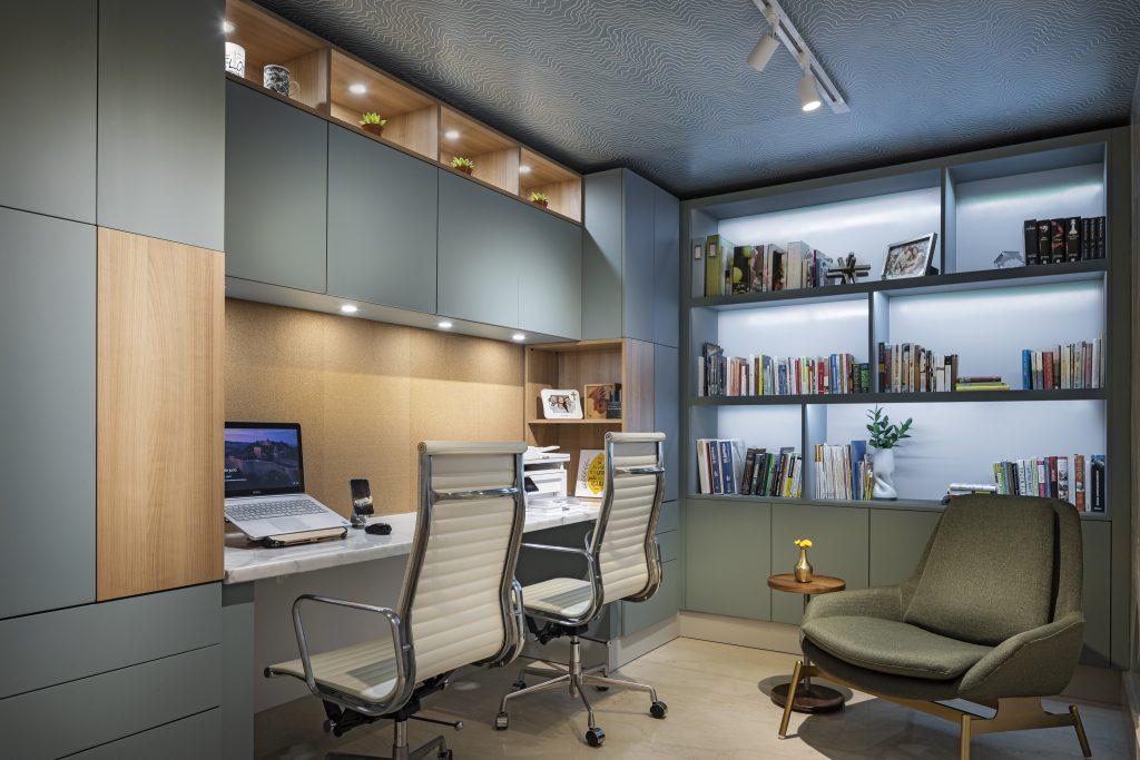 Home office por Amanda Musa Interiors