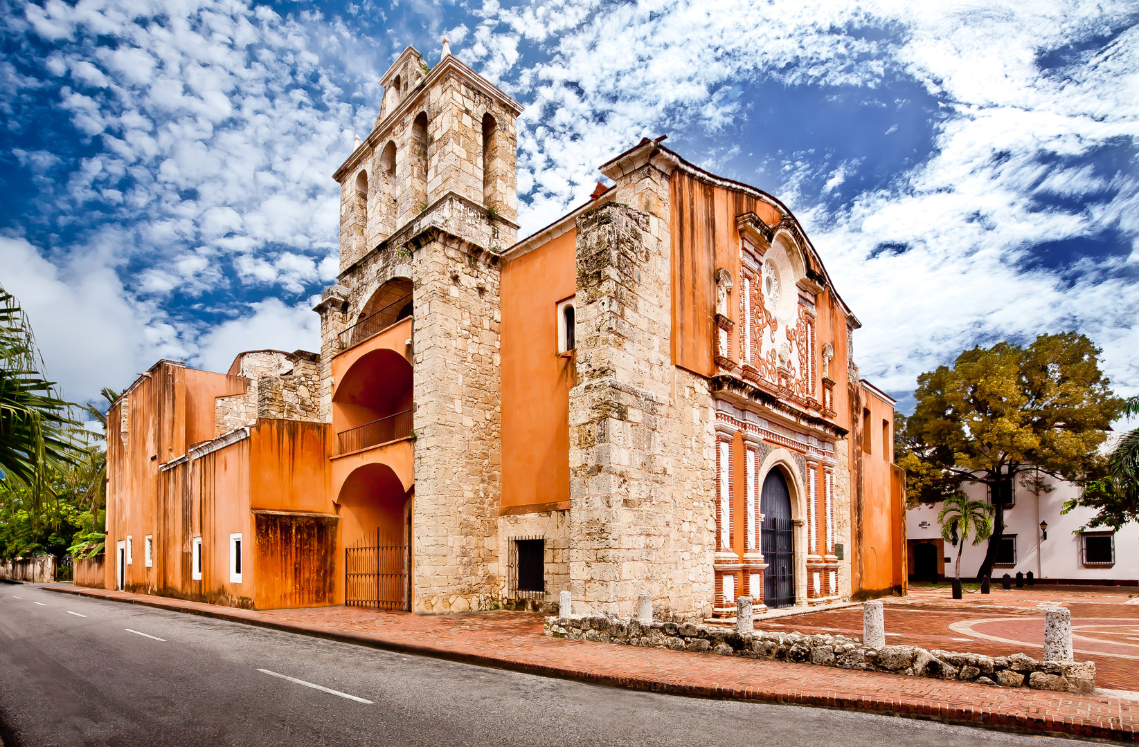 Arquitectura religiosa de la Ciudad Colonial